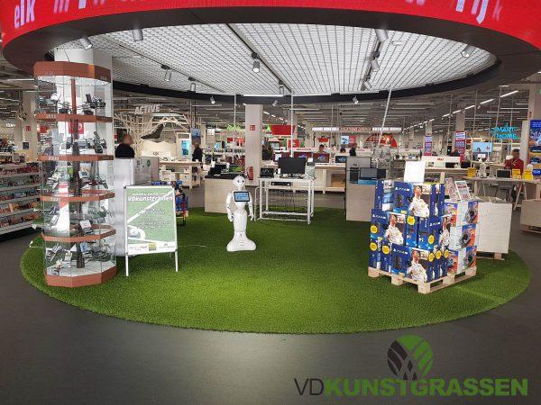 Kunstgras Mediamarkt Wilrijk ten behoeve van lancering FIFA18