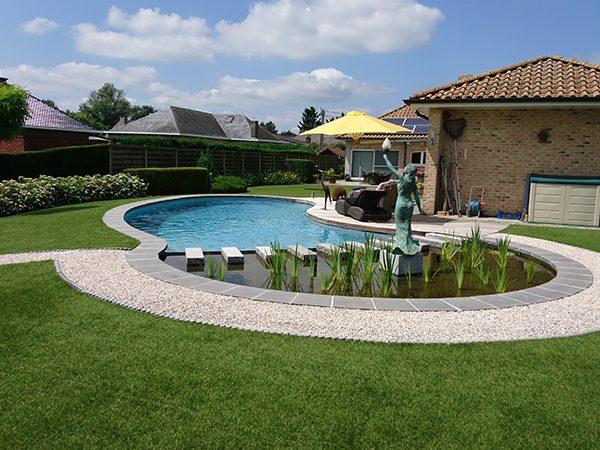 Kunstgras tuin zwemvijver